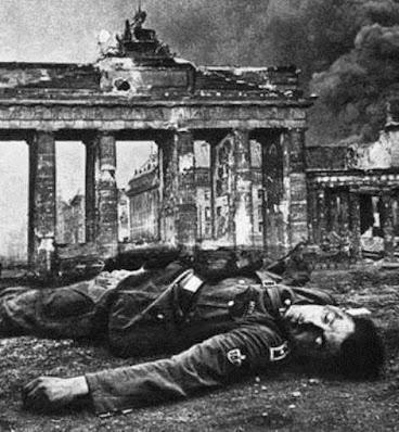 La indiferencia de Hitler hacia su pueblo
