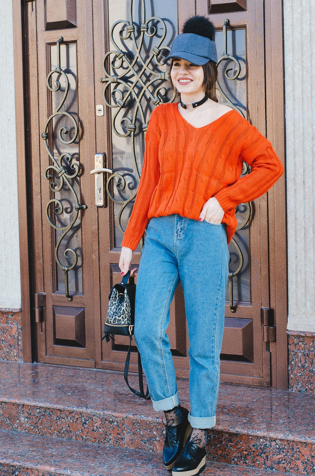 fashion blogger diyorasnotes orange sweater mom jeans shein