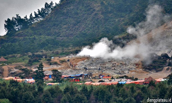 kawah sikidang - paket wisata dataran tinggi dieng plateau wonosobo