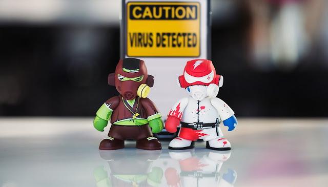 الفيروسات تصيب أجهزة الكمبيوتر ولكن أيضًا الهواتف الذكية بنظام