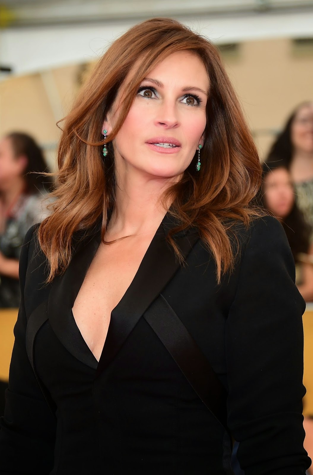 Julia Roberts So Devastated By Half Sister Nancy Motes S: Julia Roberts Wears A Givenchy Jumpsuit At The 21st Annual