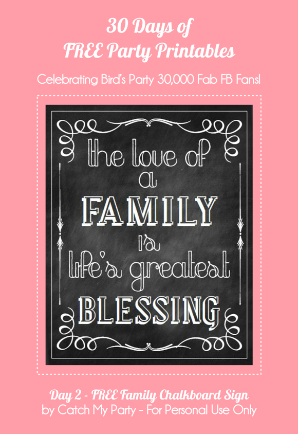 Free Printable Family Chalkboard Party Sign - via BirdsParty.com