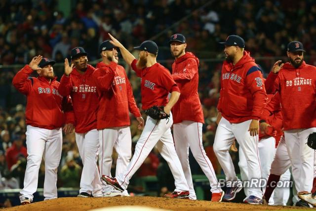 Medias Rojas derrotan a los Yankees en Juego 1 de los playoffs