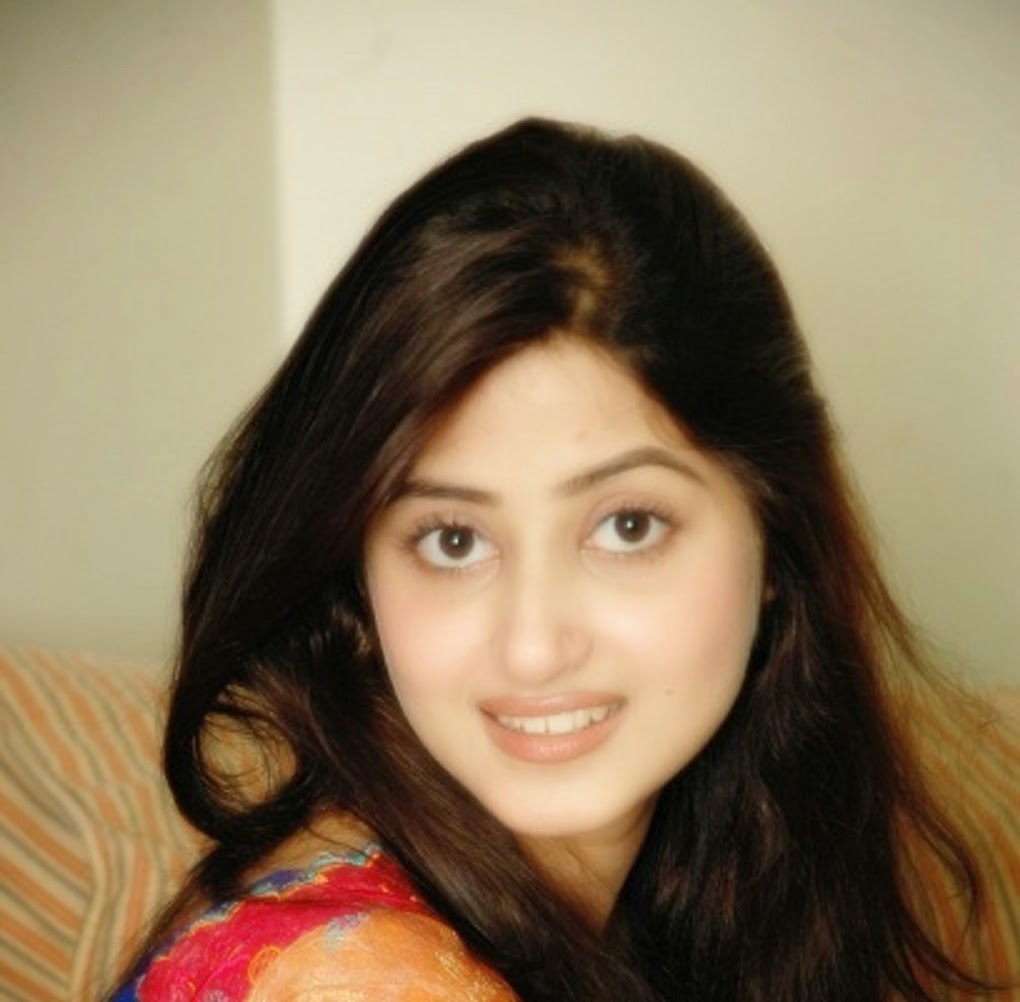 [3D Wallpaper] Sajal Ali Without Makeup HD Wallpaper Free | Lu Sih Kas