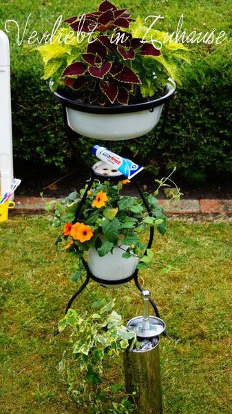 Außergewöhnliche Gartendeko und kreative Upcycling Idee: Upcycling im Garten mit dem Klobürstenhalter