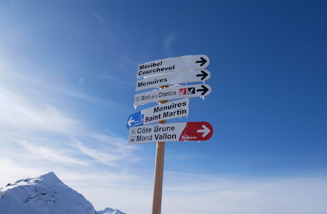 A piste map sign of one of the runs near Meribel Mottaret