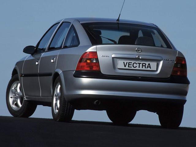 Opel Vectra - sedã médio de sucesso