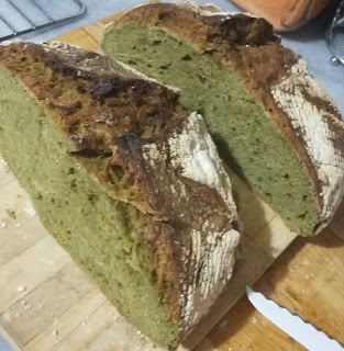 20151121 012723 1 - Ispanaklı ve Pazılı Ekmek / YEŞİL EKMEK