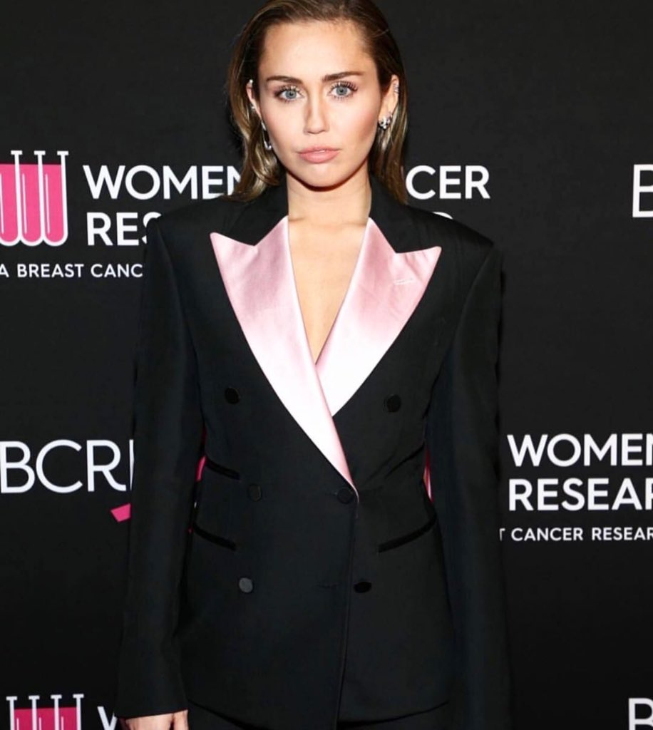 Miley Cyrus Suits Up In Tom Ford For Cancer Benefit Gala-4679