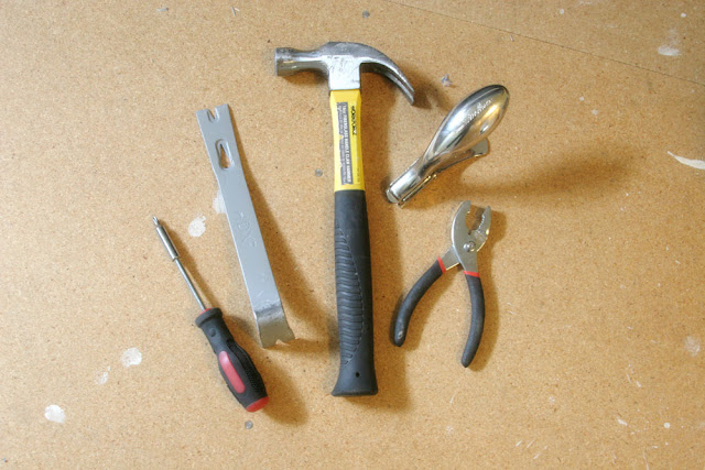 Is your home filled with nasty, old carpet? Pull it up! The 10 tools needed to remove carpet. Learn how to remove the carpet, tack strips, and staples in any home by using the best tools for carpet removal. #diyproject #renovation #demo How to Remove Carpet | Carpet Removal Tools | Tools for Removing Carpet | Tools to Remove Carpet