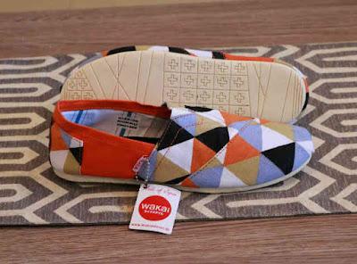 Sepatu Wakai Women Piramida Orange