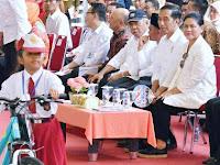 Inilah Alasan Presiden Jokowi Bagi-bagi Sepeda