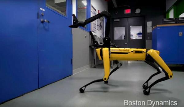 """أخيرا.. بوسطن ديناميكس تعلن عن موعد افتتاح مبيعات الكلب الآلي """"SpotMini"""""""