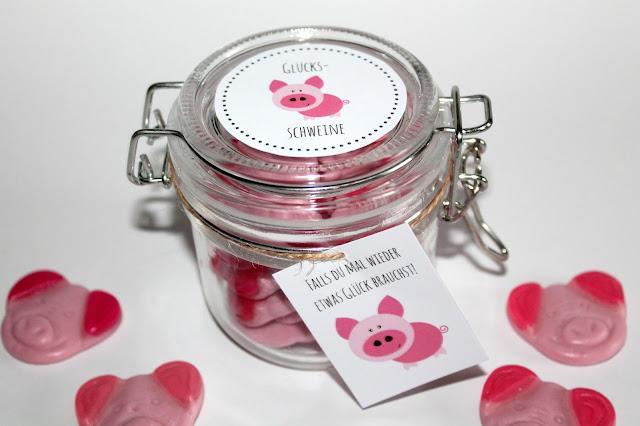 DIY, Basteln: Einmachglas Glücksschweine in Adventskalender, Mitbringsel und Geschenkideen - DIYCarinchen