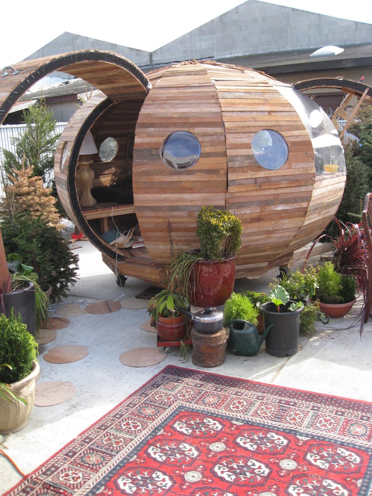 Relaxshacks com: A PORCUPINE-shaped tiny house/cabin?
