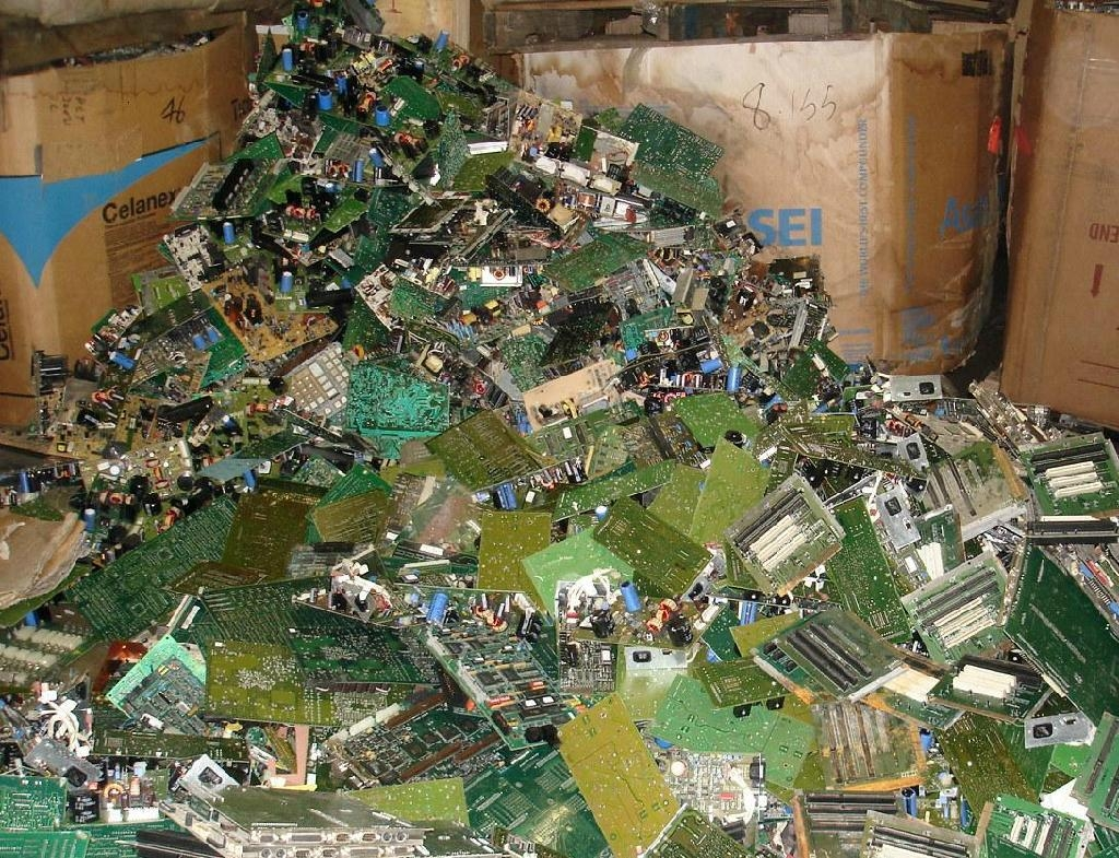 turn this circuit board scrap into an arts