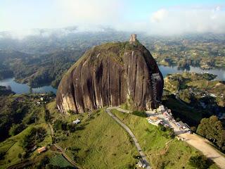 Peñón de Guatapé - Piedra del Peñol - Colombia