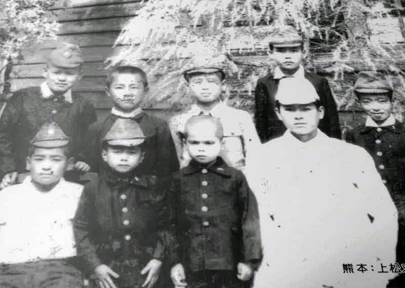 photo, young children in uniform