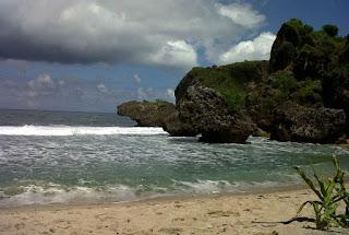 Keindahan Pantai Siung Yogyakarta