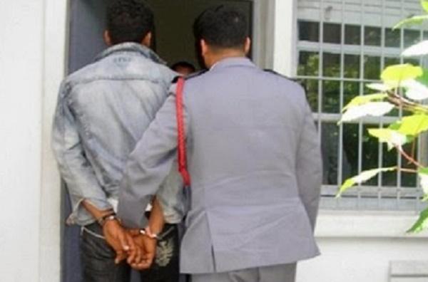 """اولاد برحيل.. الدرك يعتقل الملقب"""" بالهواري """"وبحوزته كميات من المخدرات ومبلغ مالي"""