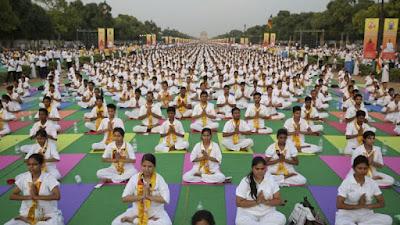 Dans le yoga, il n'y a pas de place pour Dieu... Inde_yoga