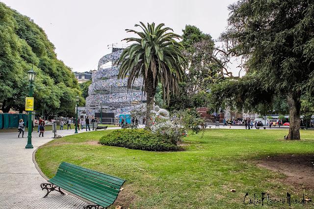 Camino a la Torre de Babel, Buenos Aires, Argentina.