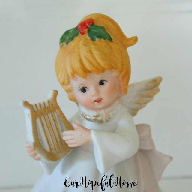 Homco Christmas angel figurine 1970's harp
