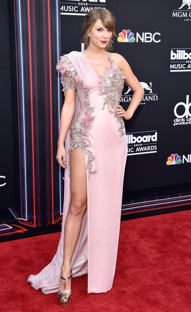 Taylor Swift Latest Hot Stills