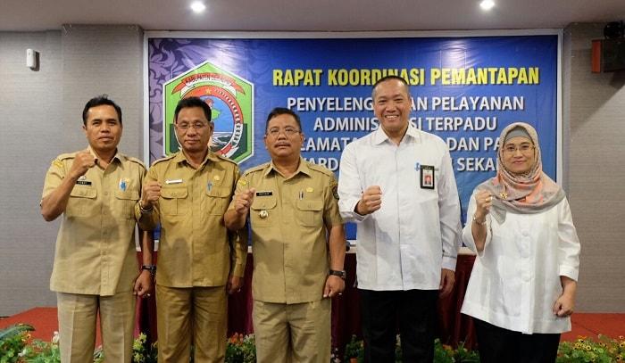 Bupati Rupinus Rapat PATEN Dengan Camat Se-Kabupaten Sekadau