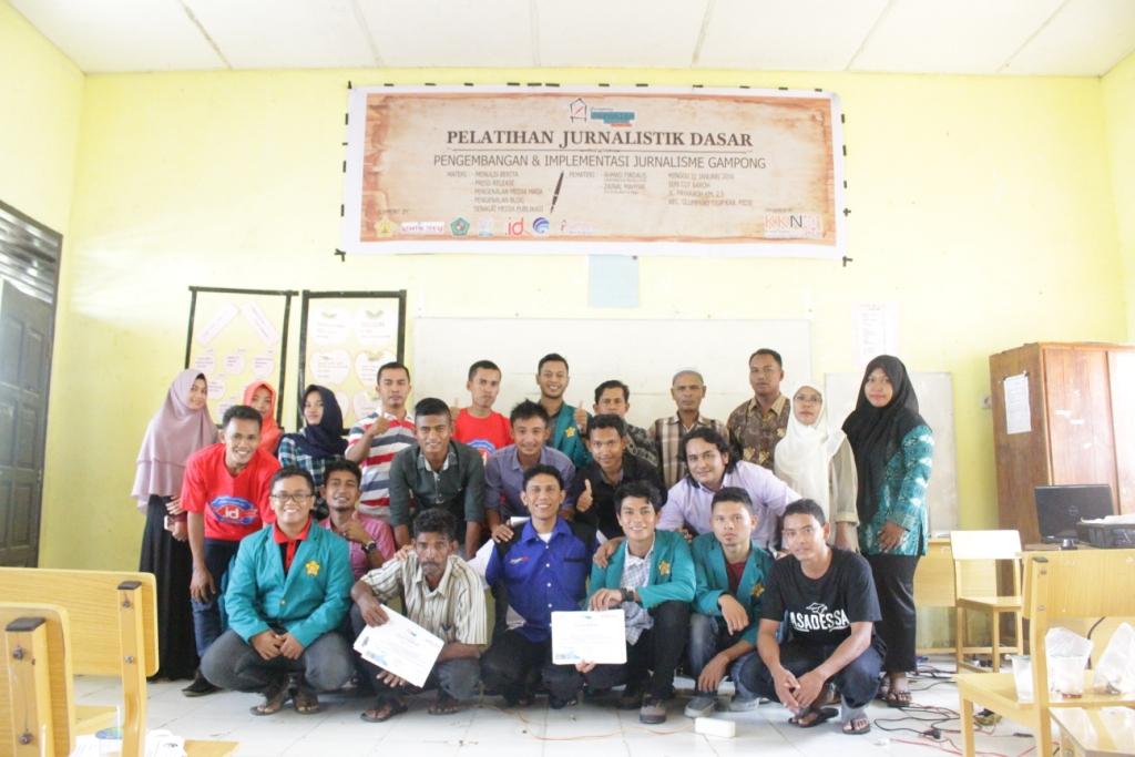 Mahasiswa KKN P240 Bersama Komtikcobar Menggelar Pelatihan Jurnalistik Dasar