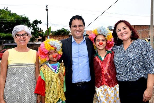 Prefeito Edivaldo e representantes do MDS visitam Centro Dia e Circo Escola na Cidade Operária