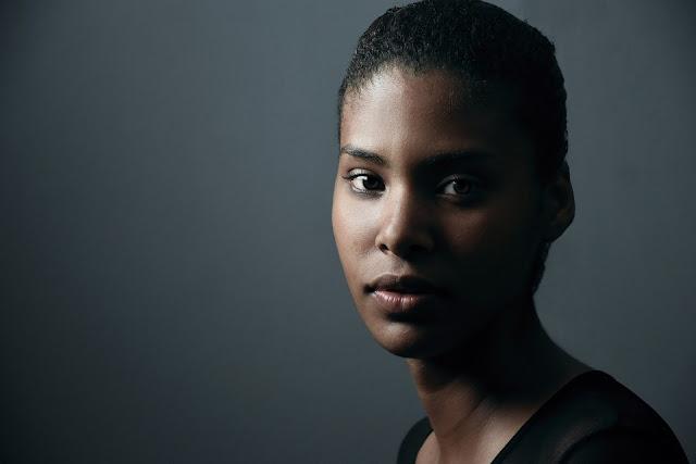 una mujer afroamericana de raza mixta en norteamerca