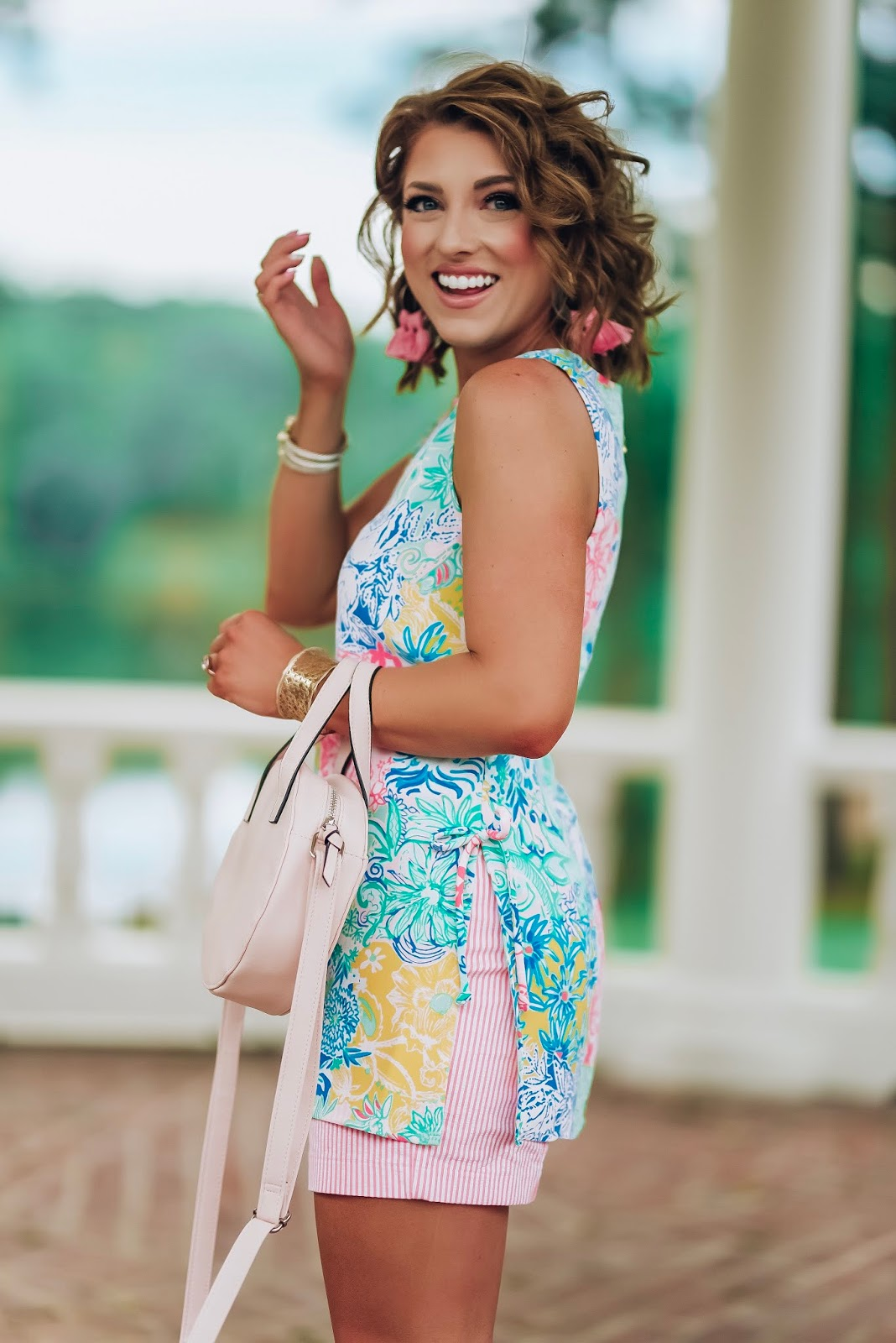 Lilly Pulitzer Donna Tunic in Cheek to Cheek + Seersucker Kelly Shorts With Palm Village Augusta + Giveaway!! - Something Delightful Blog #lillypulitzer #springstyle