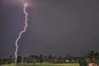 thunder lightning strike kills pregnant woman