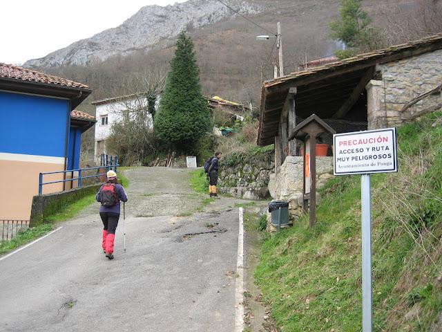 Inicio de la ruta en el pueblo de Ambingue