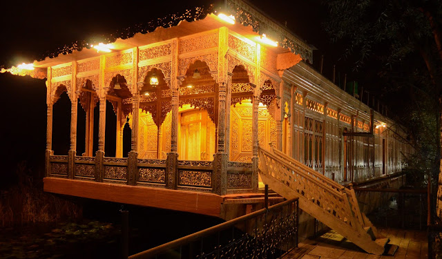 5 star houseboat ..Royal Dandoo group of hotel..Jigar Palace
