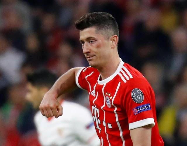 "Lewandowski bất ngờ ""tỏ tình"" Real Madrid"