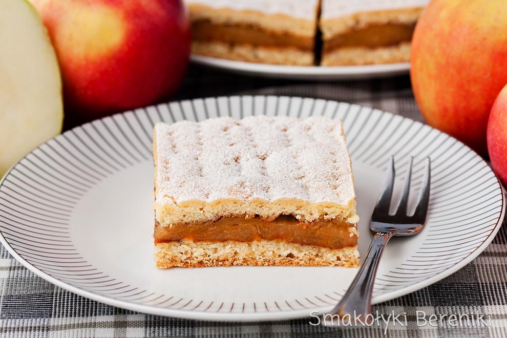 szarlotka z karmelizowanymi jabłkami