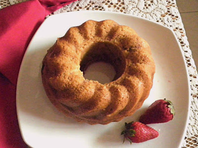 Strawberry Bread Recipe  @ treatntrick.blogspot.com