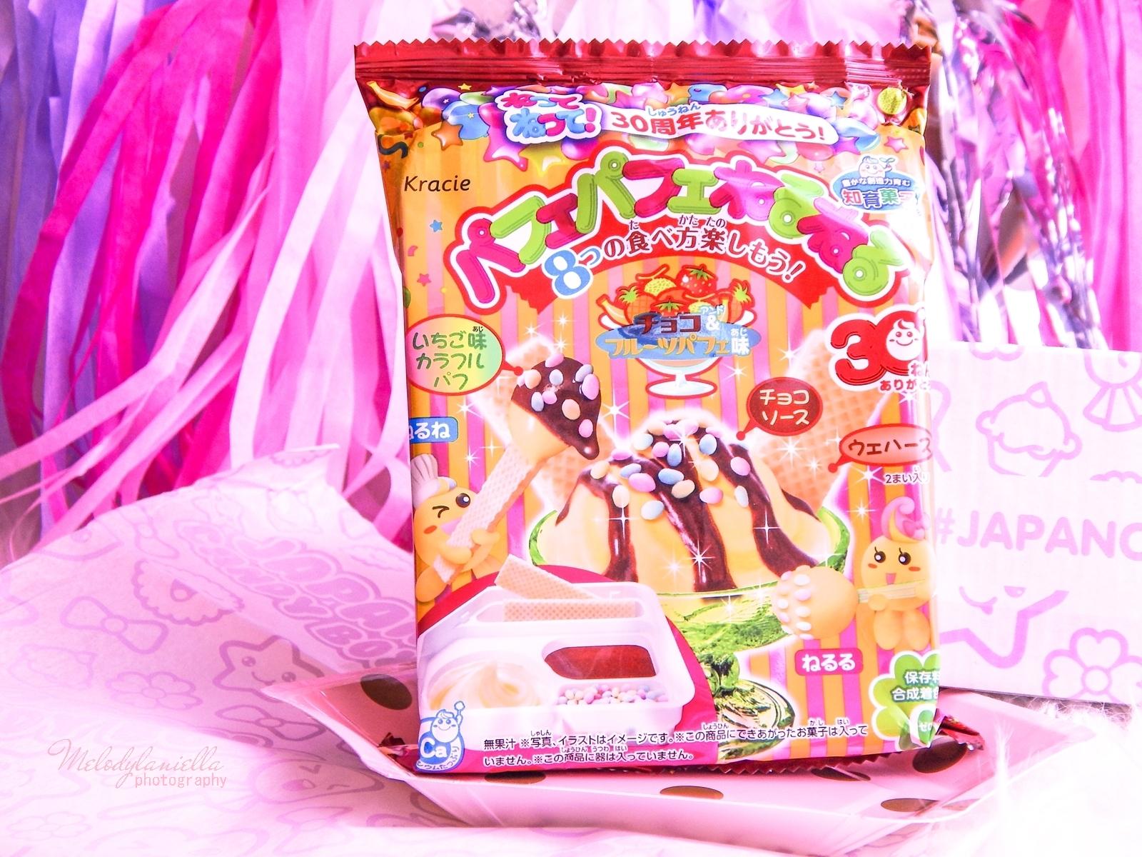 2 melodylaniella photography partybox japan candy box pudełko słodkości z japonii azjatyckie słodycze ciekawe jedzenie z japonii cukierki z azji boxy z jedzeniem kracie parfait neruneru DIY candy kit