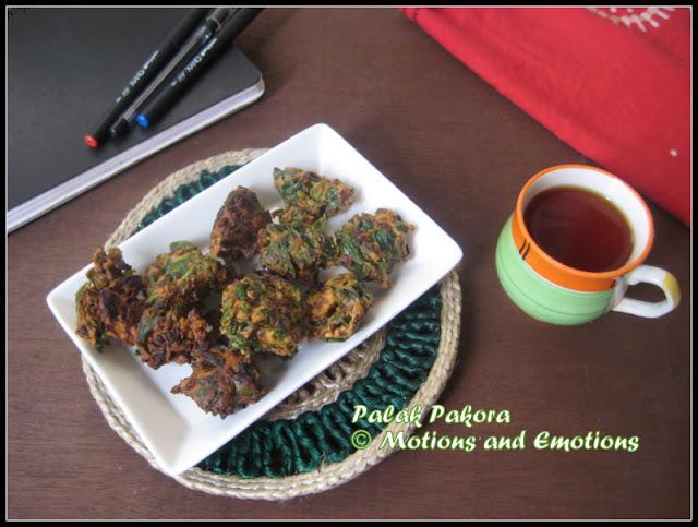 Palak Pakora / Palak ke Pakore / Spinach Fritters