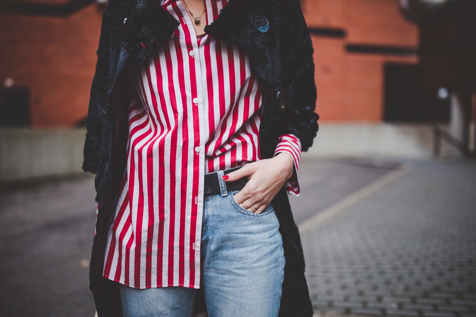 red oversized stripe shirt outfit