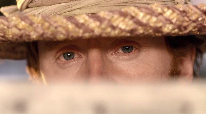 une image tirée de l'épisode montrant les yeux de van Gogh alors qu'il peint