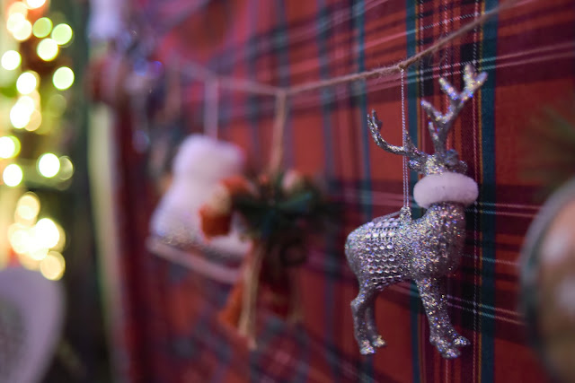 plaid Christmas decorations deer ornament A Stylish Love Story fashion Blog