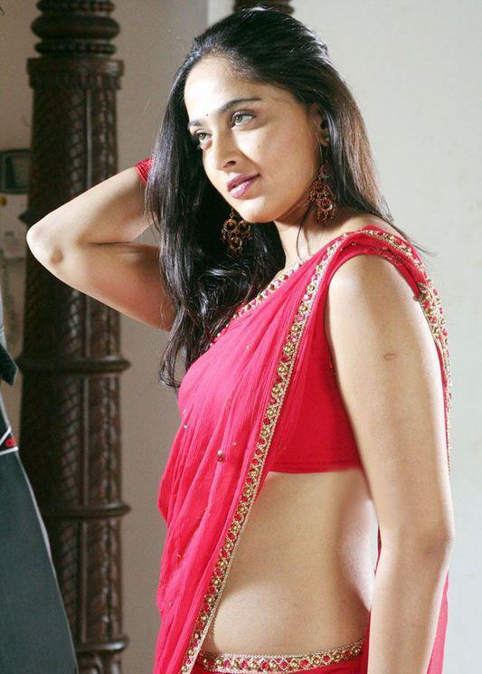 Anushka Shetty waist, Anushka Shetty sexy waist in saree, Anushka Shetty in red saree