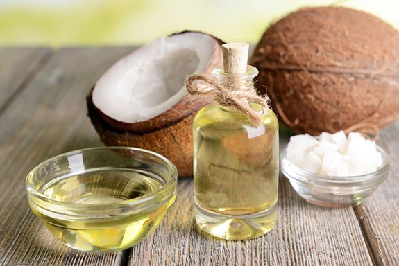 Coconut Oil For Hair: Is It Recommended ?