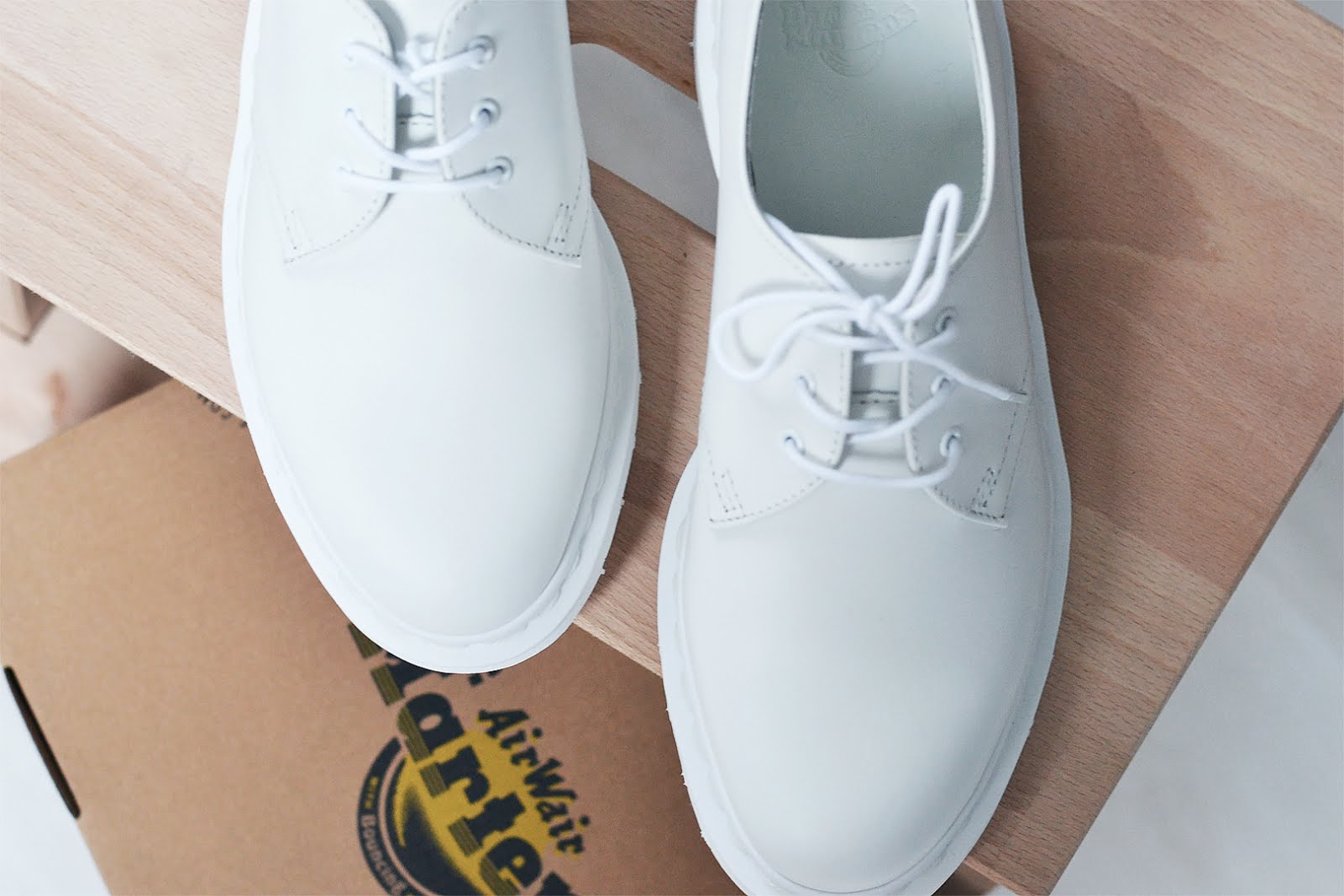 Dr martens, monochrome, white, all white, shoes, sacha shoes, pastel pink, trend, 2016, street style