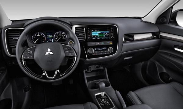 Mitsubishi Outlander 2016 interior