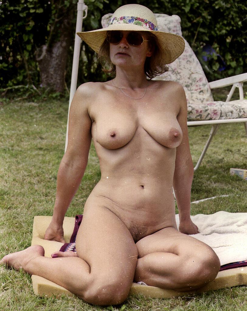 Older women like sex-9100