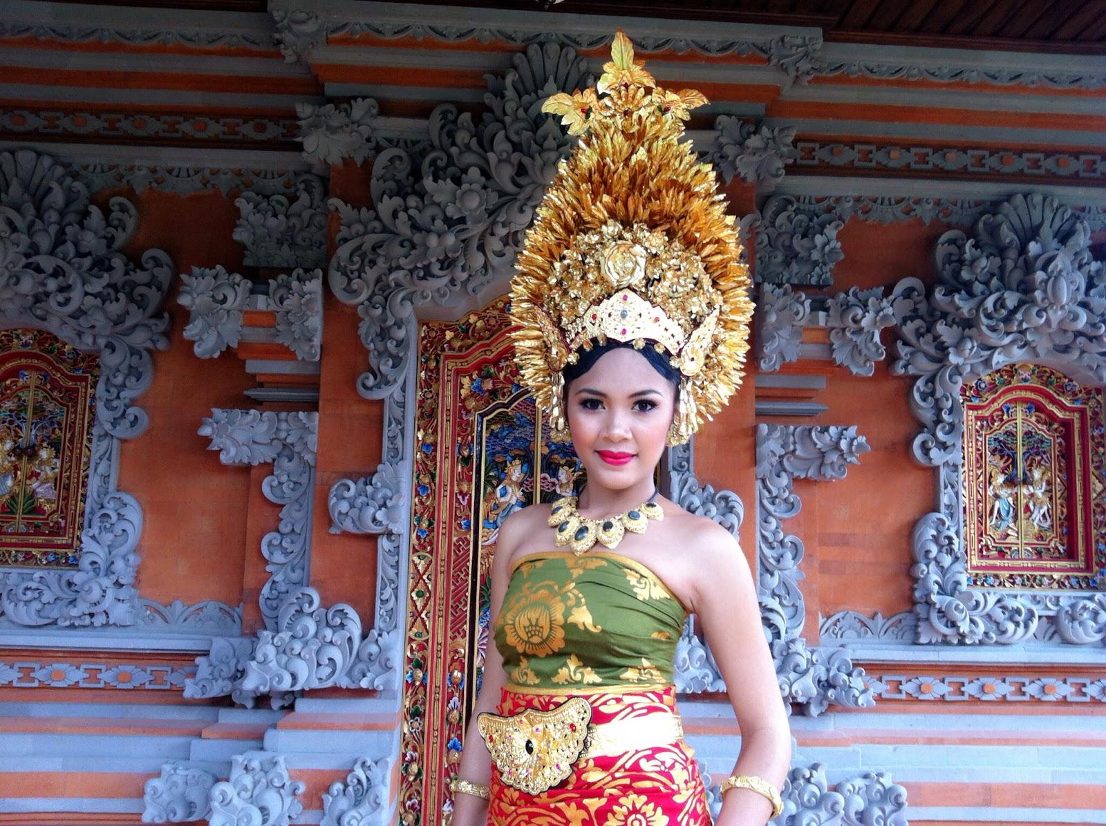 Eka Raditya MakeUp Art: Payas Agung Bali Modifikasi - Eka ...